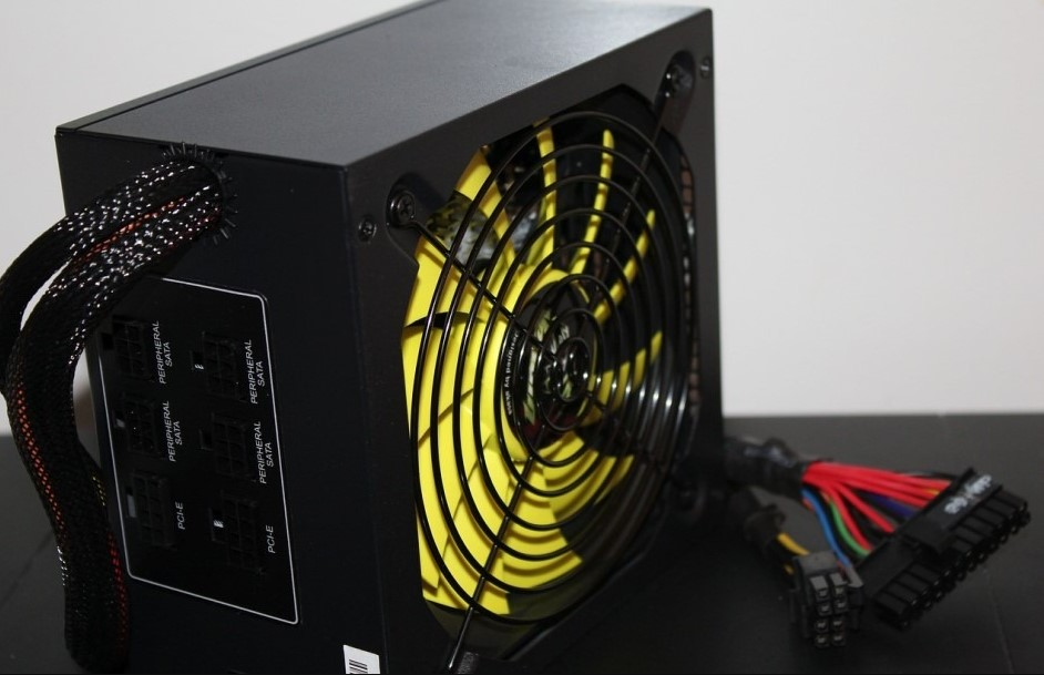 What is the power supply recommended for gtx 1080?